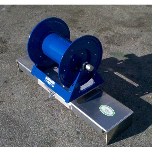 Pivoting Irrigation Hose Reel